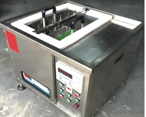 Electrolytic oil removal equipment